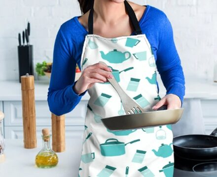 9 Fashionable Outfits to Wear in the Kitchen